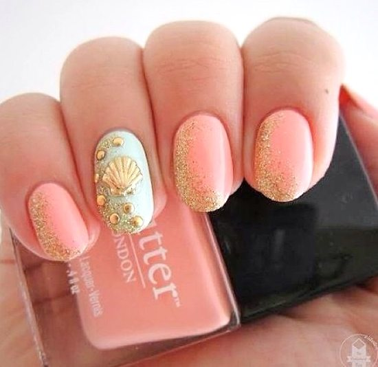 Summer Beach Nails