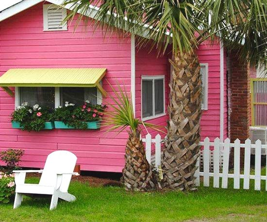 Pink Beach Cottage
