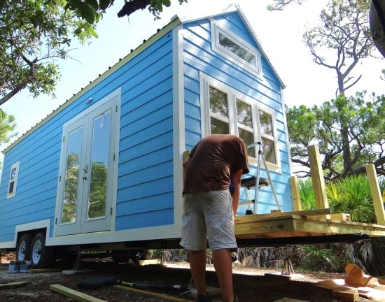 Building and Installing Tiny House