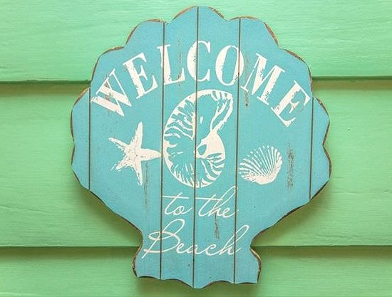 Welcome to the Beach Welcome Seashell Sign