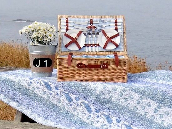 Picnic Basket | Table by the Sea