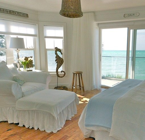 White Beach Cottage Bedroom