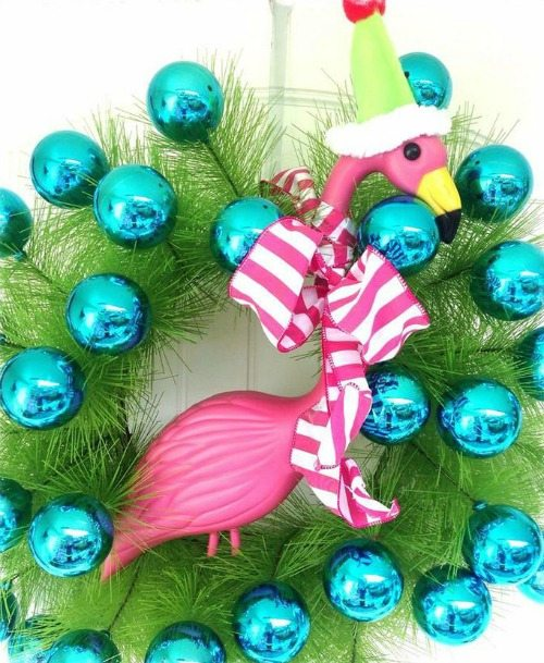 blue christmas ball wreath with flamingo