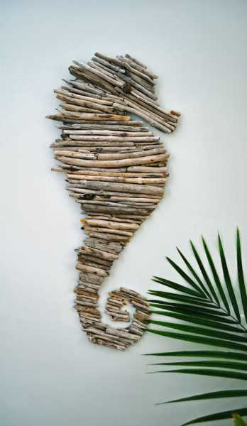 seahorse sticks wall decor