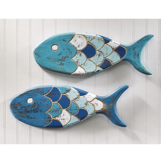 7 wooden fish wall decor ideas for your beach house for Fish wall decor