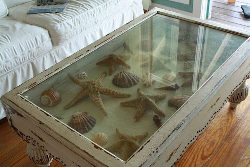 Charmant Coffee Table Filled With Starfish